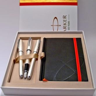 купить Набор Parker URBAN Premium Pearl Metal Chiselled BP (5TH + перьевая + роллер + шариковая ручка + блокнот) - Ручки Parker (Паркер). Интернет-магазин ручек Parker. Купить в Киеве.